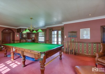 Snooker room and bar